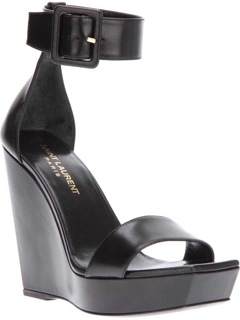 Ali Larter Flat Sandals Vs Kristin Cavallari Flat Sandals